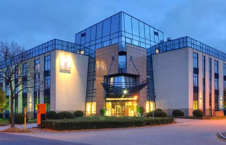 Tryp Dusseldorf Airport - Hotel - 8
