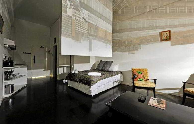 12 Decades - Room - 3