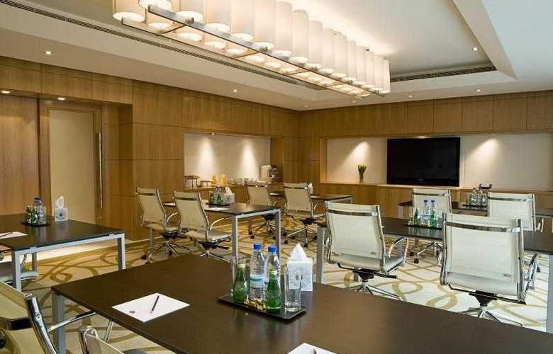 Four Points by Sheraton Sheikh Zayed Road - Hotel - 2