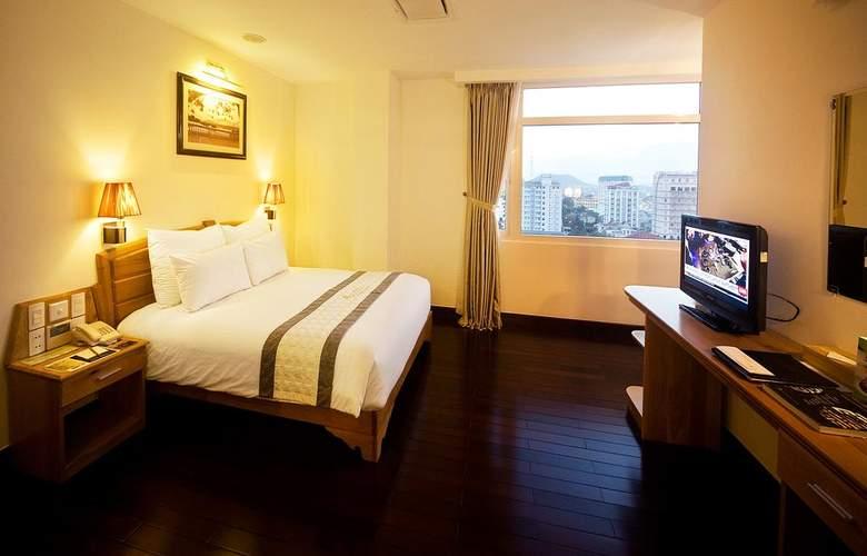 Romance Hotel Hue - Room - 9