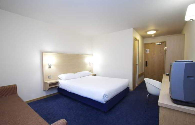Travelodge Birmingham Central Broadway Plaza - Room - 15