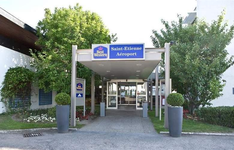 Novotel St Etienne Aéroport - Hotel - 9