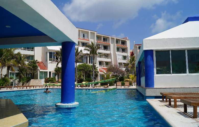 Solymar Beach Resort - Pool - 18