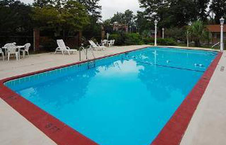 Econo Lodge Intown - Pool - 4