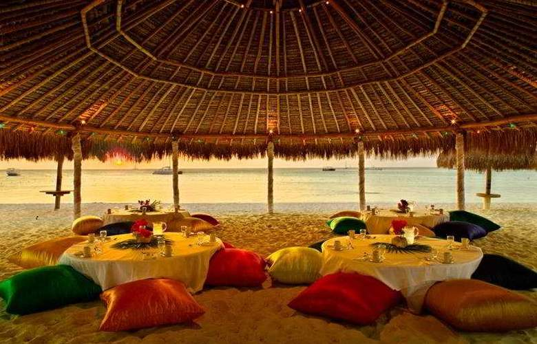 Hyatt Regency Aruba Resort & Casino - Beach - 8