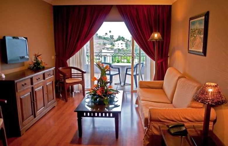 La Quinta Park Suites - Room - 11