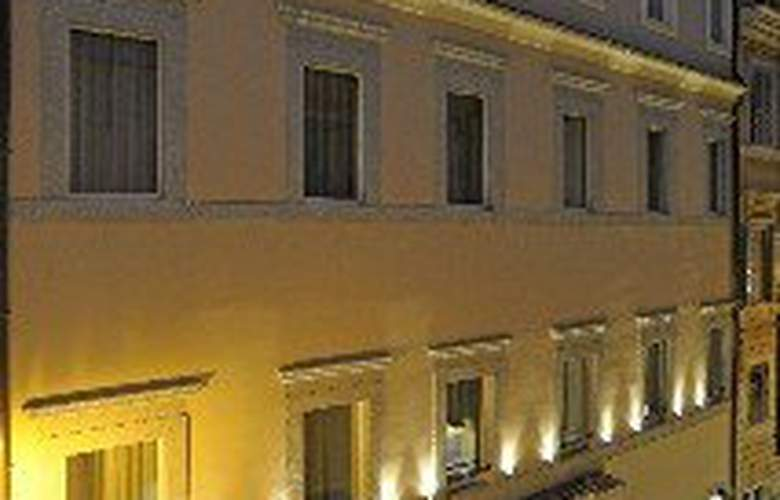 Trevi Palace Luxury Inn - Hotel - 0