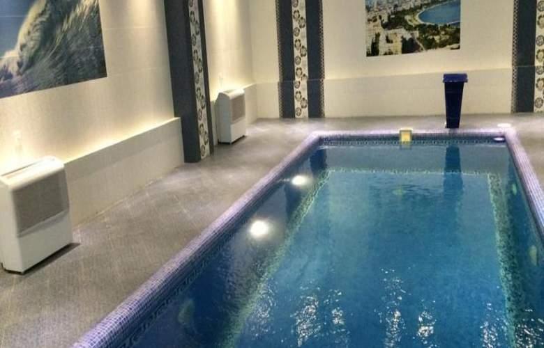 Ariva - Pool - 13