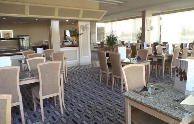 Britannia Airport Inn - Restaurant - 9