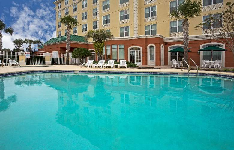 Country Inn & Suites Orlando Airport - Pool - 8