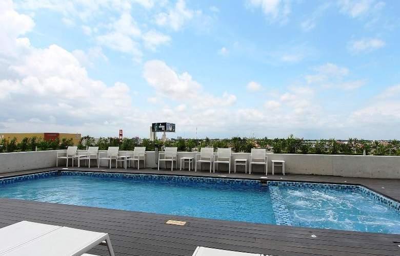 Fiesta Inn Merida - Pool - 65