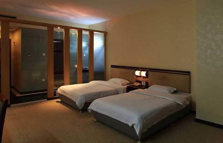 East Asia Hotel - Room - 3