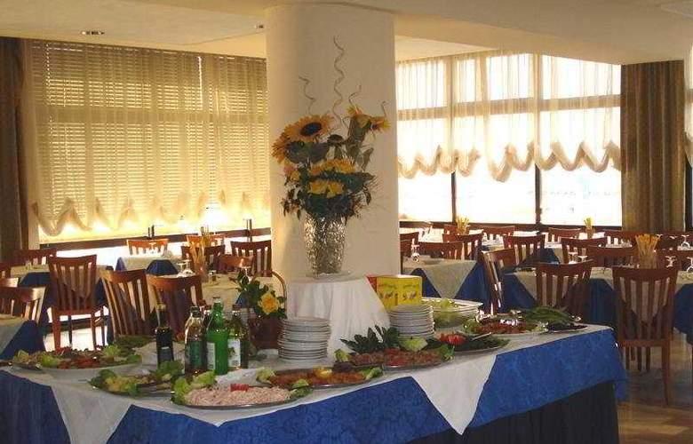 Alcazar - Restaurant - 8
