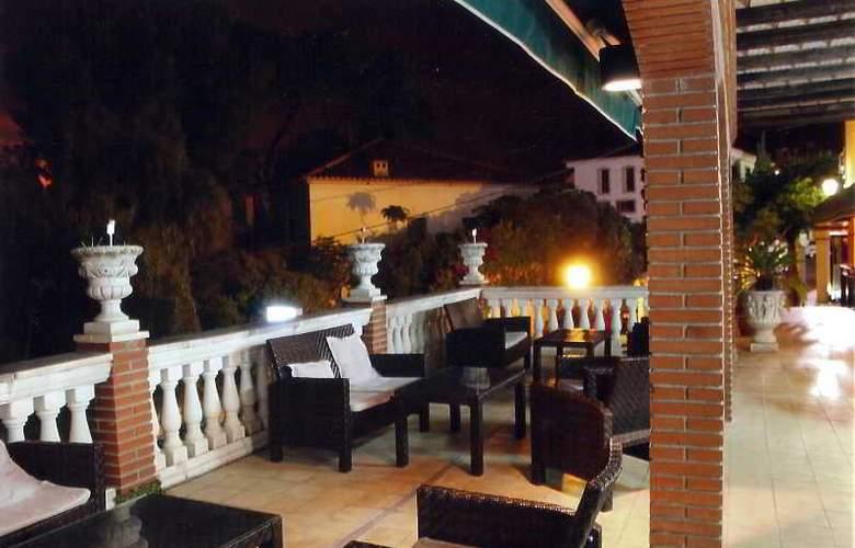 San Martin - Terrace - 1