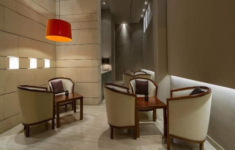 Rey Alfonso X - Restaurant - 56