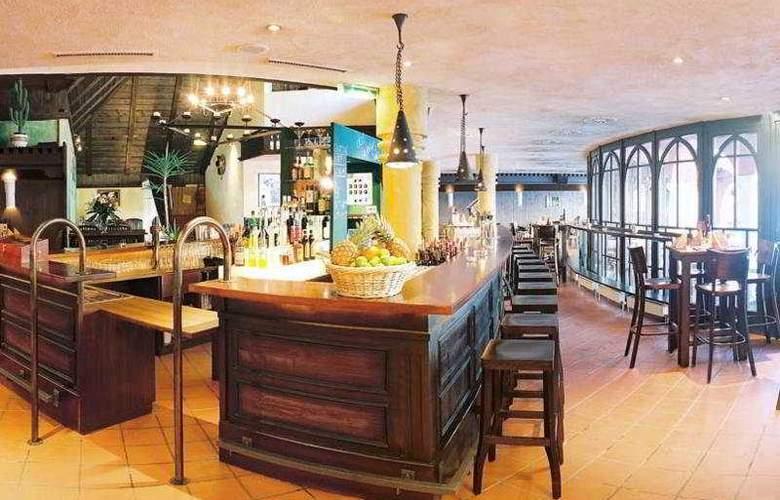 Schlosshotel Rosenegg - Bar - 8