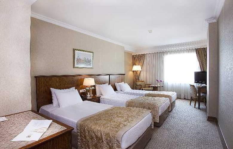 Grand Oztanik - Room - 12