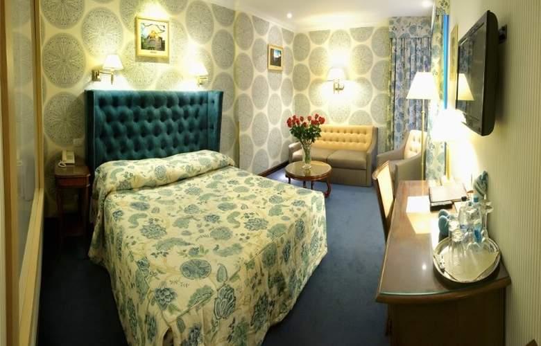 Swiss - Room - 11