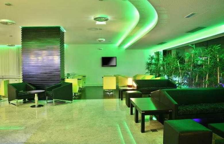 SANA Capitol Hotel - Bar - 10