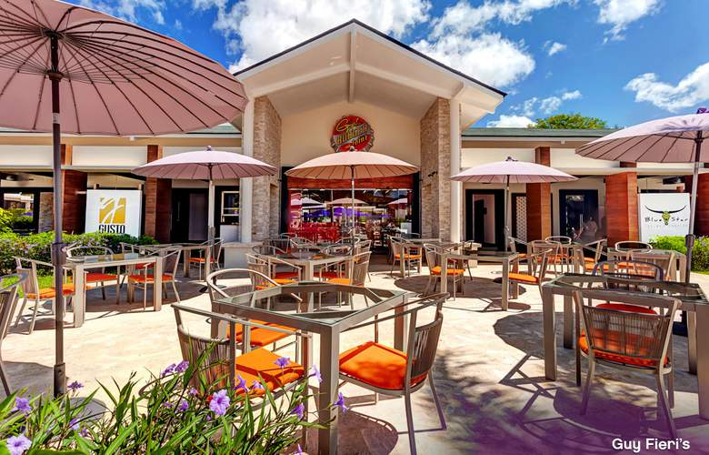 Planet Hollywood Beach Resort Cancun - Terrace - 8