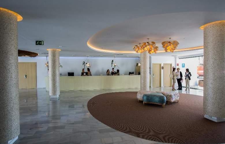 Grand Palladium White Island Resort & Spa - General - 7
