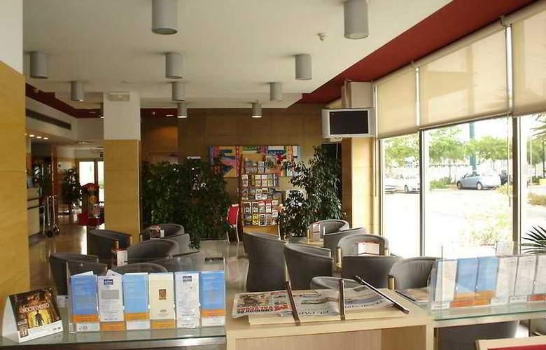 Ibis Valencia Bonaire Aeropuerto - General - 2