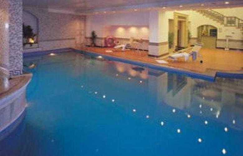 GRT Grand - Pool - 4