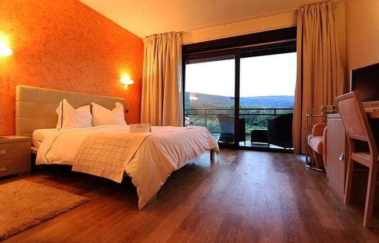 Sunny Hill - Room - 5