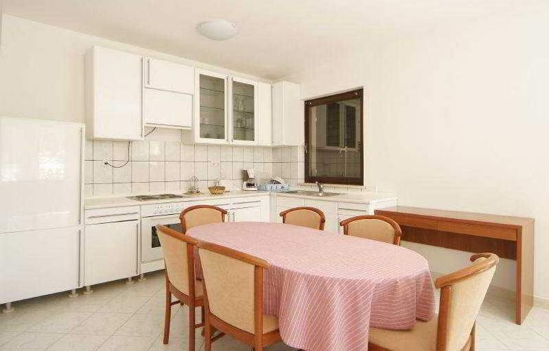Villa Pucisca - Room - 3