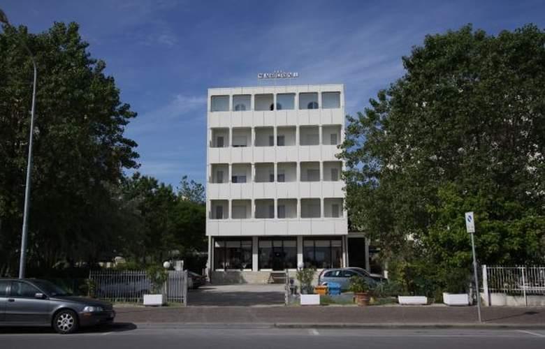 Spiaggia Marconi - Hotel - 0