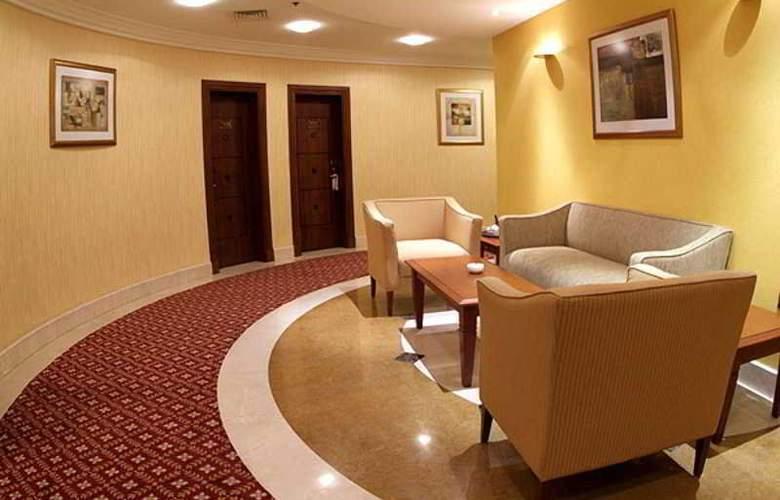 Royal Qatar - Room - 15