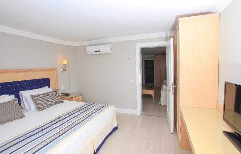 Palm Bay Beach Hotel - Room - 16