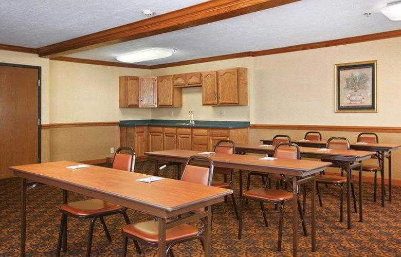 Best Western Plus North Canton Inn & Suites - Hotel - 14