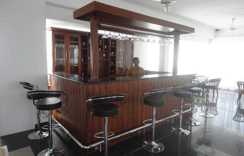 Port View City Hotel - Bar - 8