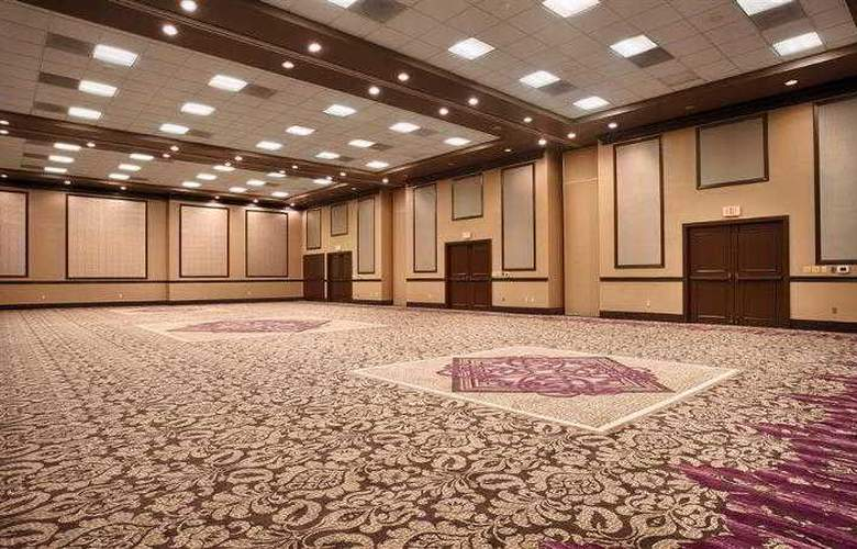Best Western Plus Hotel & Conference Center - Hotel - 38