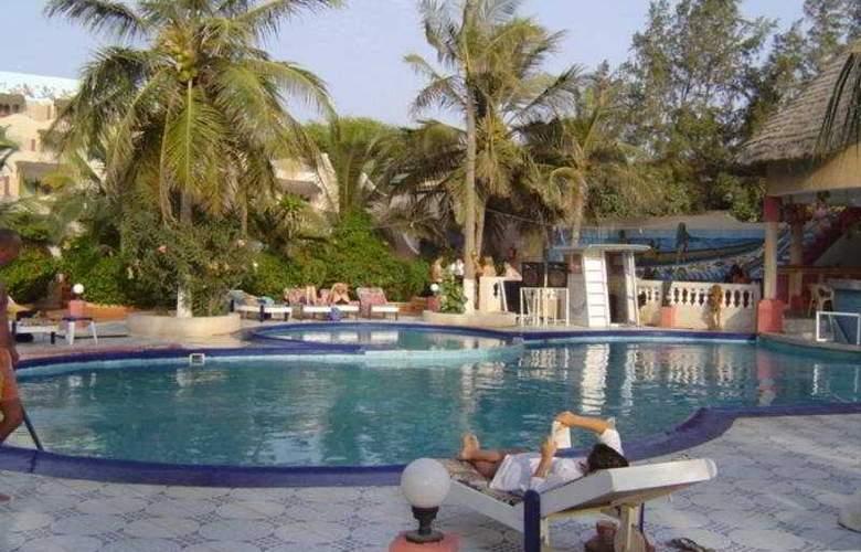 Africa Queen - Pool - 3