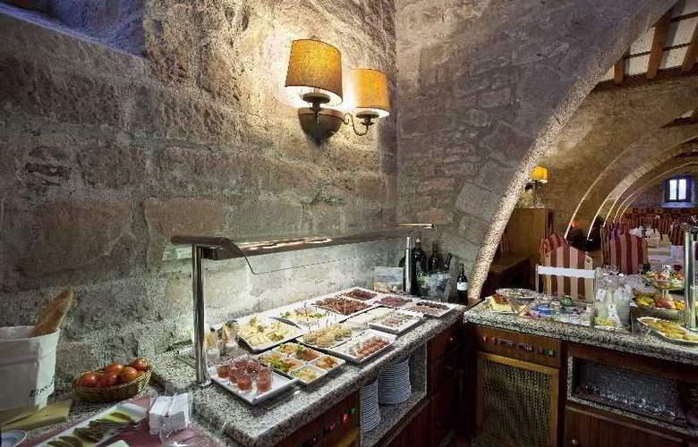 Parador de Cardona - Restaurant - 12