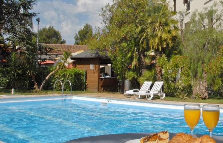 El Castell - Pool - 9