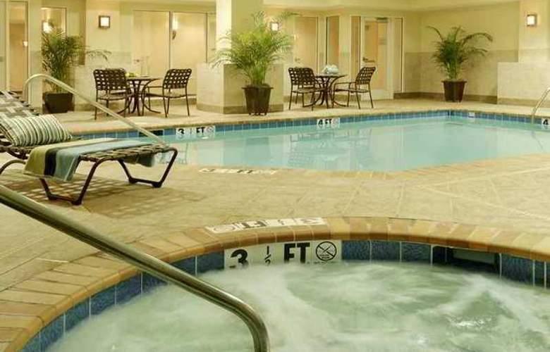 Hilton Garden Inn Jackson Downtown - Hotel - 8