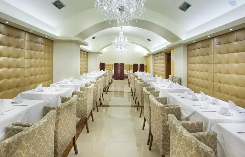 King David - Restaurant - 26
