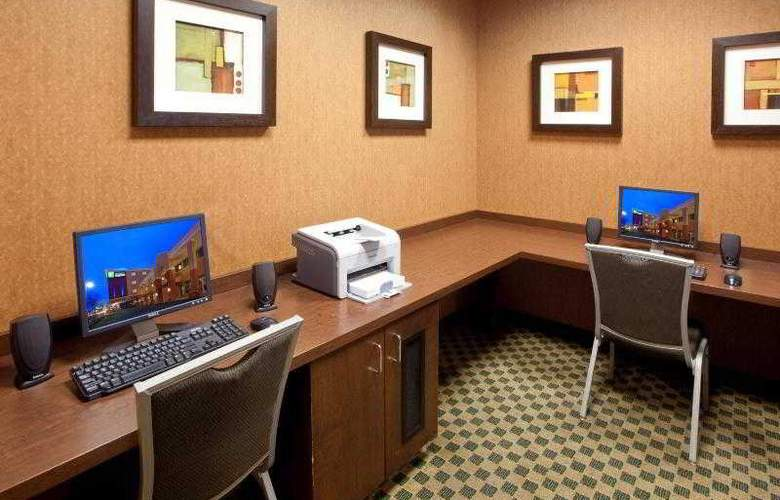 Holiday Inn Express Baltimore at the Stadiums - Sport - 22