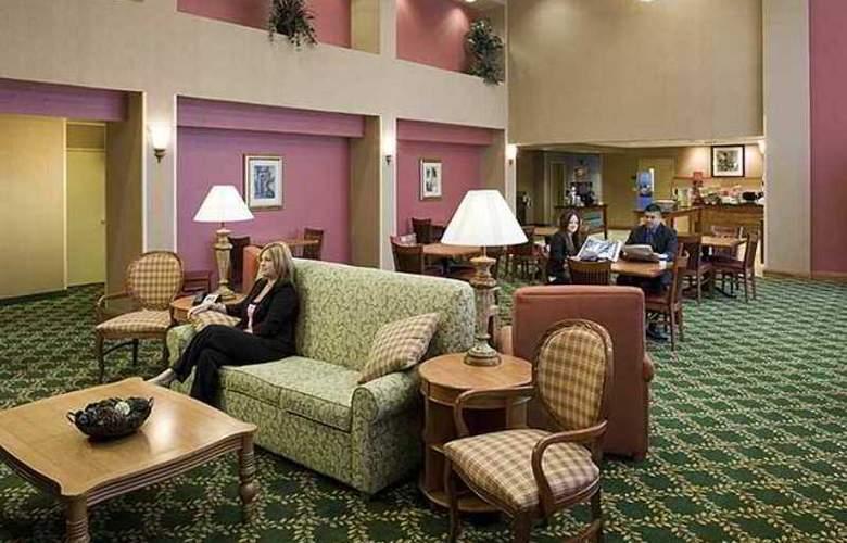Hampton Inn & Suites Tulare - Hotel - 5