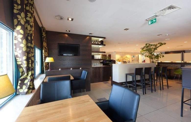 XO Hotels Blue Square - Bar - 3