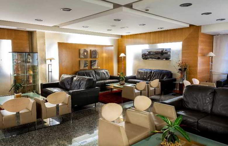 Nuevo Torreluz - Hotel - 12
