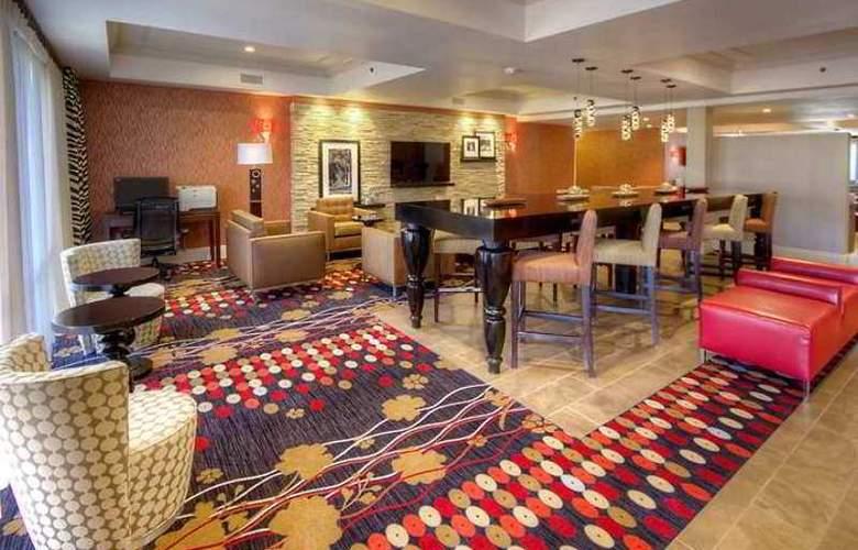 Hampton Inn Fremont - Hotel - 0