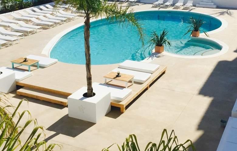 The Beach Star - Pool - 3