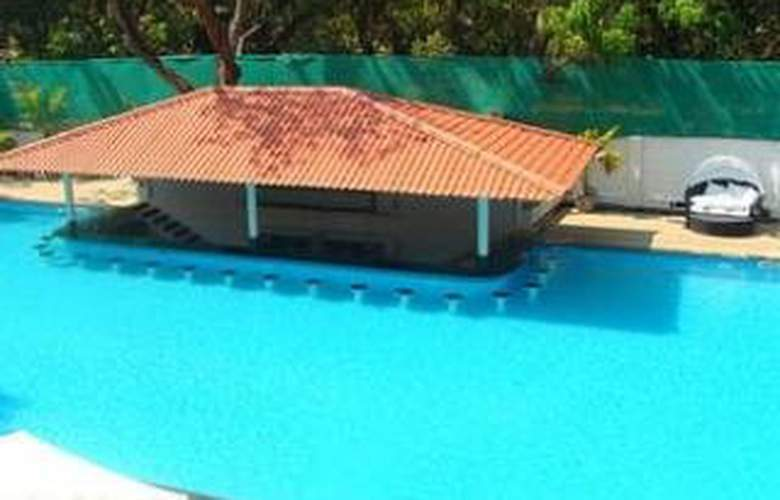 The Royale Assagao Resort - Pool - 2
