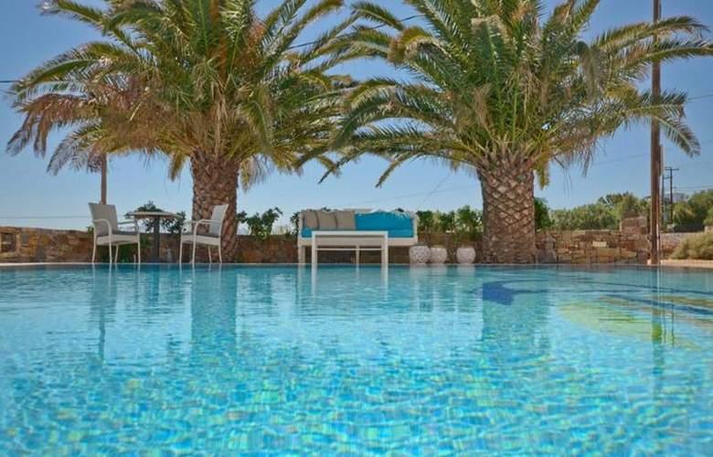 Dilino Hotel Studios - Pool - 8