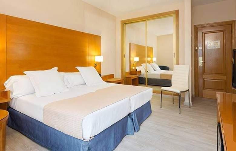 Tryp Ciudad de Alicante - Room - 21