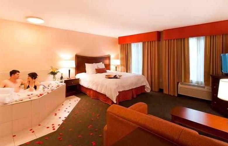 Hampton Inn and Suites Fresno - Hotel - 12